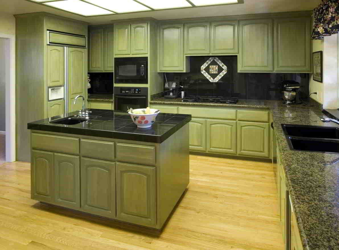 kuchyňa  mätová so sivočiernou