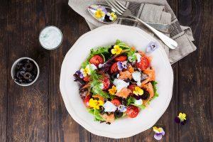 Všetko o jedlých kvetoch: Ako ich zbierať a konzumovať