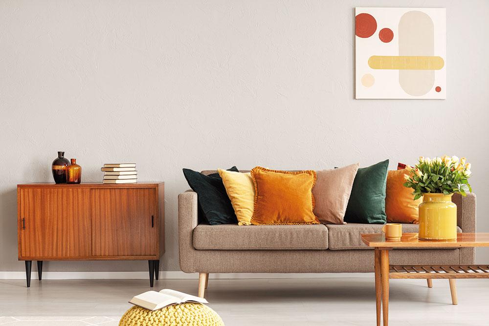Využite príležitosť! Pri maľovaní môžete dodať interiéru nový šmrnc nielen zmenou farby stien. Práve upratovanie po maľovaní je ideálna príležitosť na zmenu v usporiadaní nábytku aj na výmenu či dokúpenie niektorých kúskov alebo farebne zladených doplnkov.