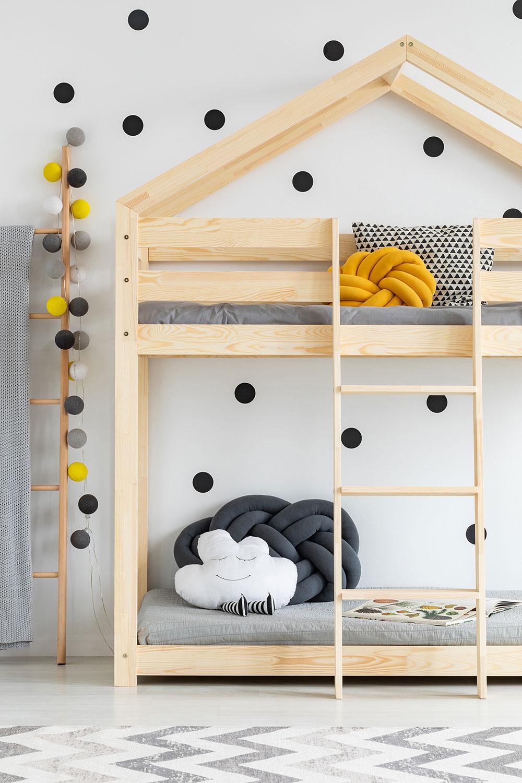 Štýlová posteľ RABBIT z lepeného borovicového dreva v tvare domčeka.