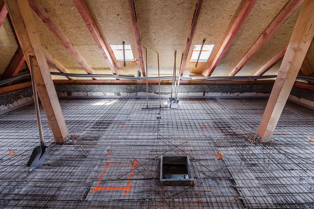 Vystužený spriahnutý strop zo strany podkrovia