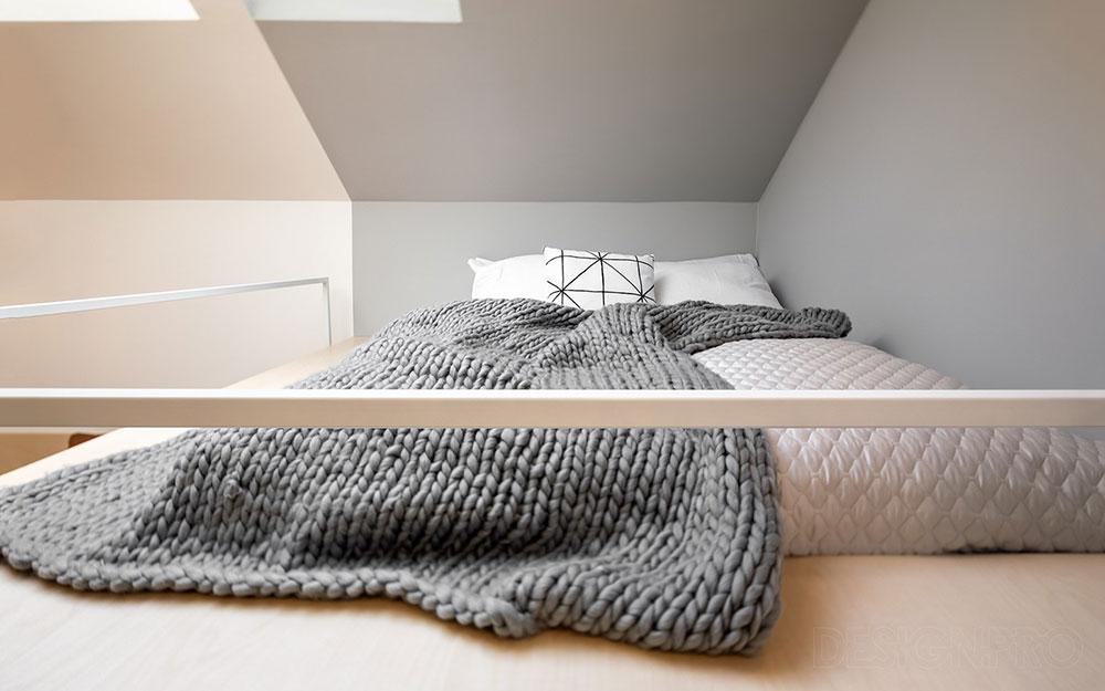 dvojlôžková posteľ