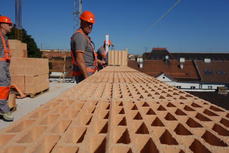 Video seriál Stavba domu 5. diel: Stavba stien