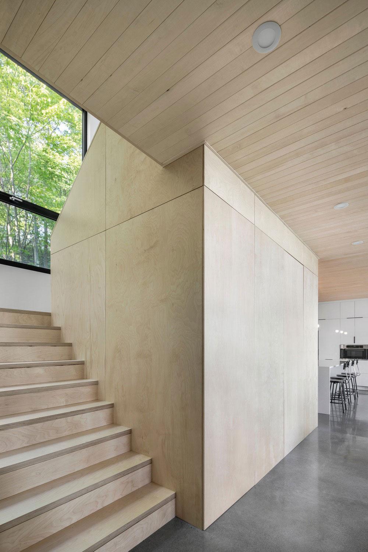 schodisko na horné podlažie