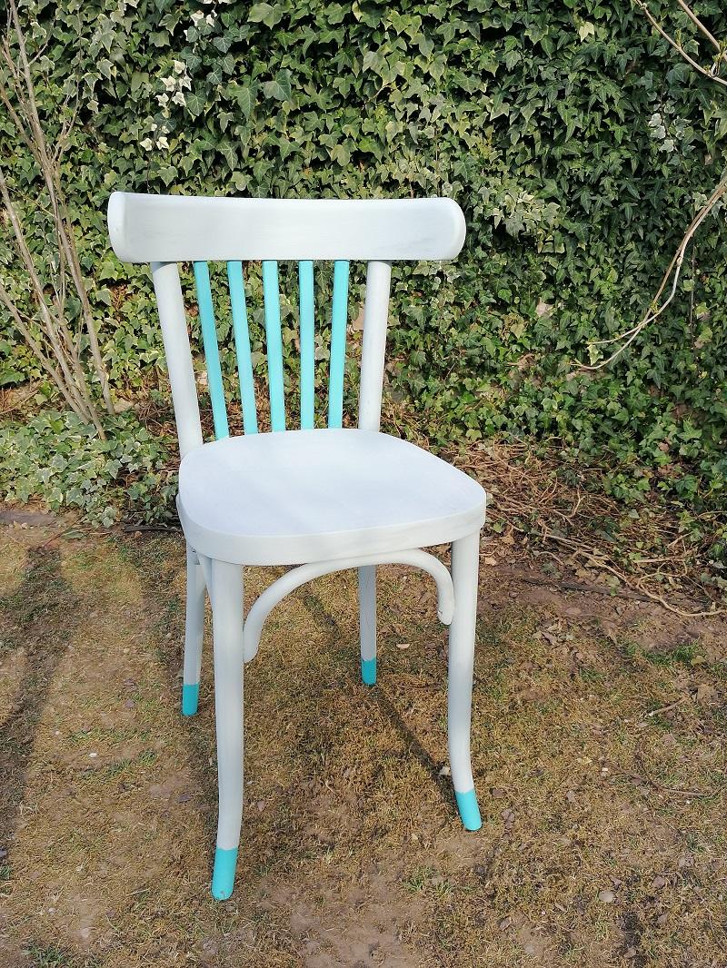 renovácia starej drevenej stoličky
