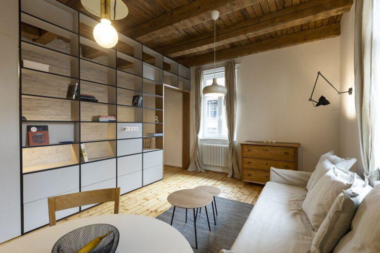 Maličký bratislavský byt s historickou charizmou. Verili by ste, že je z roku 1902?