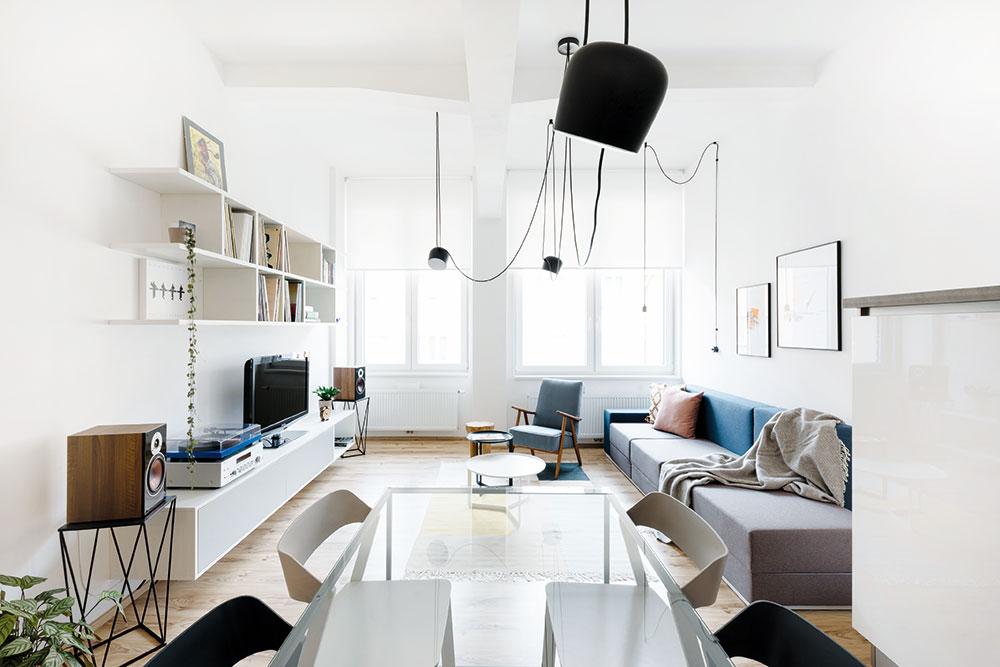 Ako sa v malej garsónke podarilo vytvoriť vzdušný a pohodlný interiér?