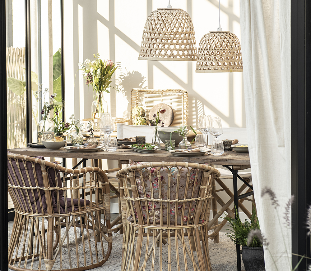 jedáleň v prírodnom štýle
