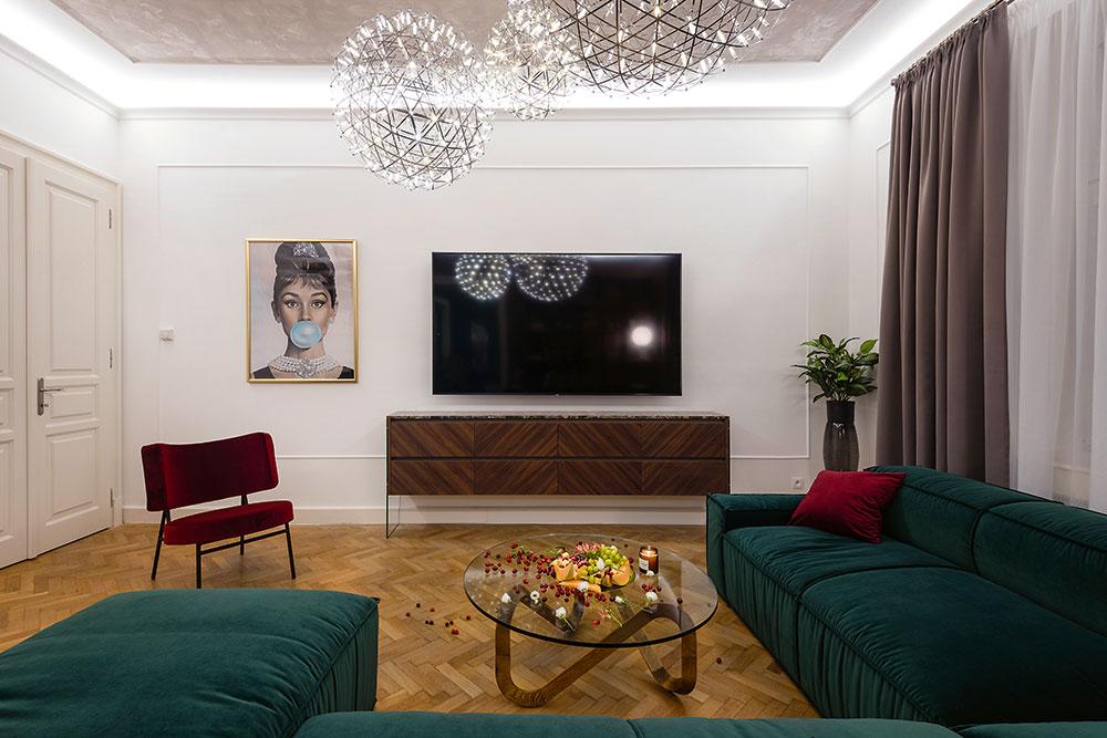 Elegantný a hravý bratislavský byt v storočnej budove