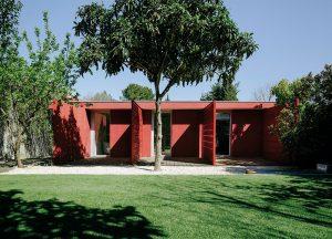 Po odstránení nedostatkov v dispozícii ponúka dom veľmi príjemné bývanie