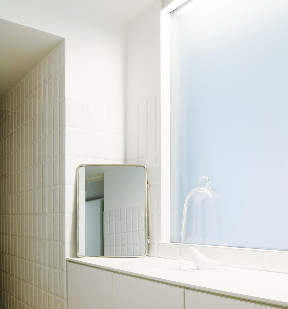 Jednoduché prvky a ich čisté línie len umocňujú všadeprítomnú čistotu a sviežosť.