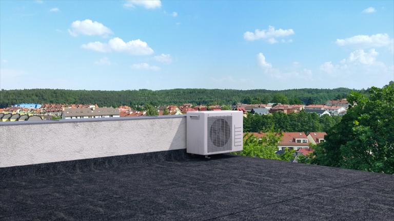 Aj plochá strecha potrebuje spoľahlivo zatepliť