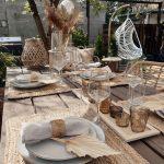 stolovanie v záhrade