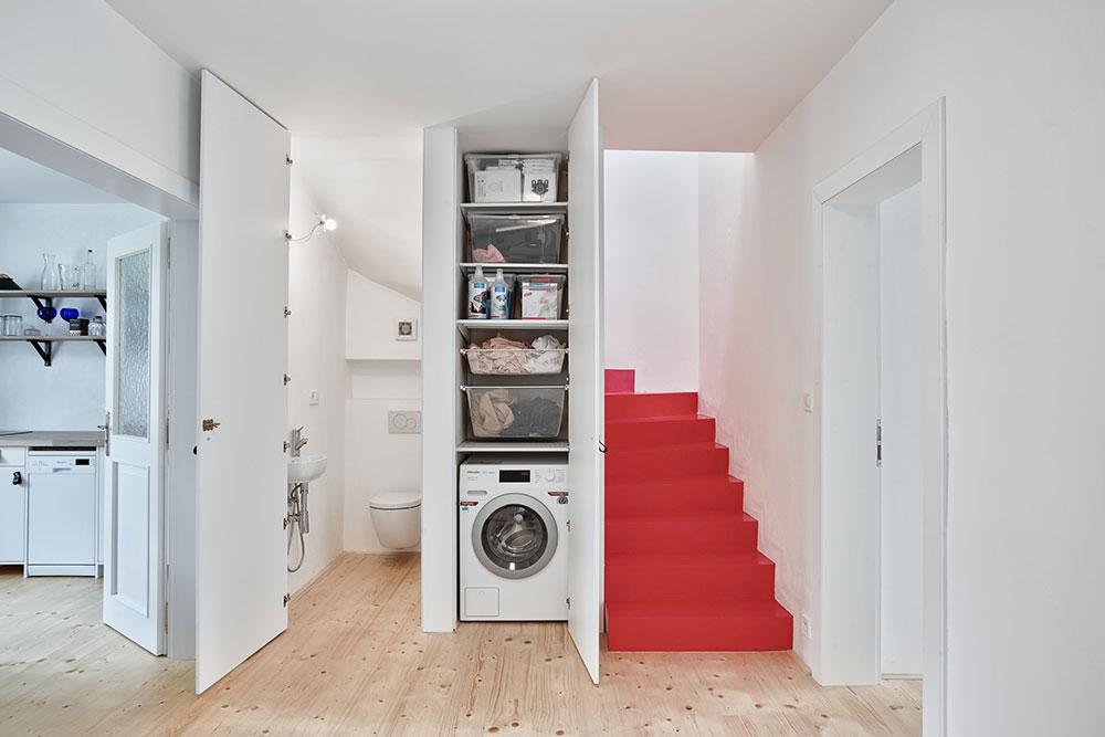 úložný priestor pod schodmi