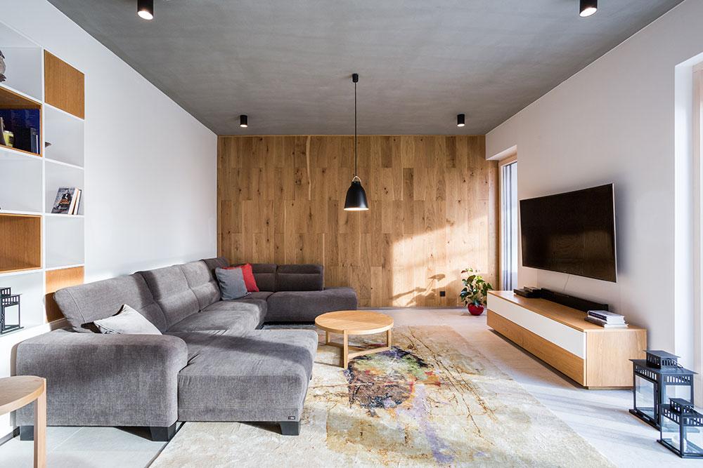 Obývacia izba v rodinnom dome v Rusovciach
