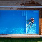 záhradný bazén pri rodinnom dome