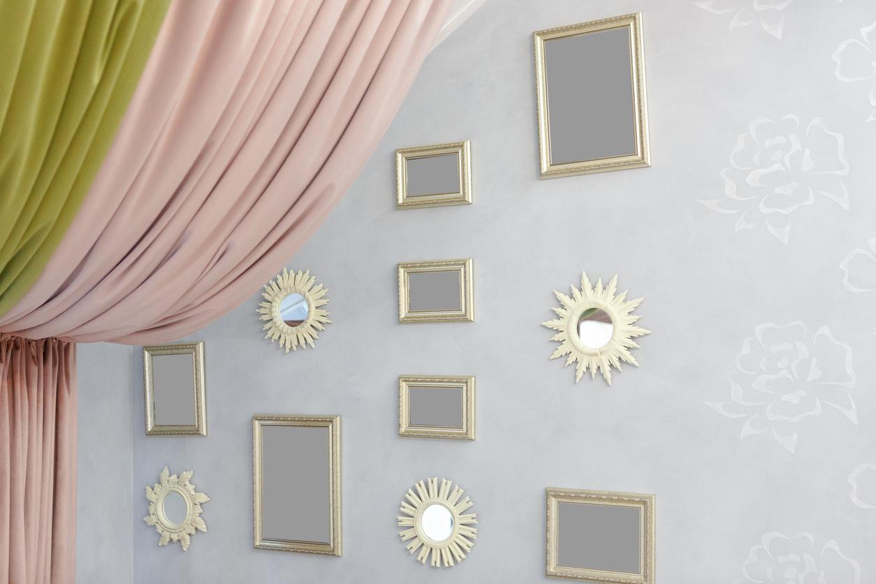 stena so zrkadlami