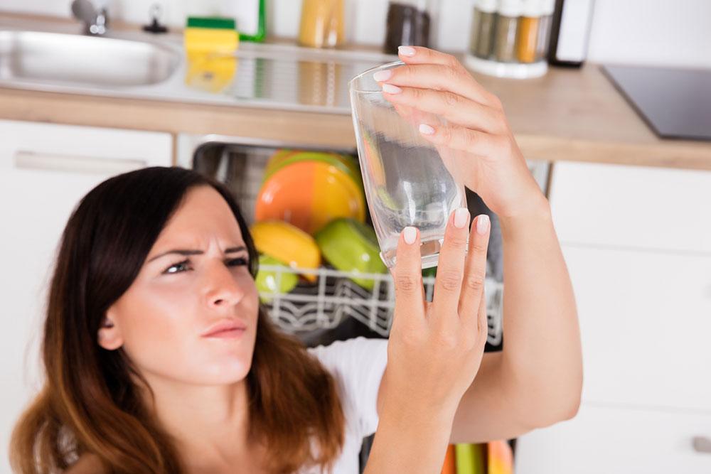 Viete, ako zo svojej umývačky riadu vyťažíte maximum?