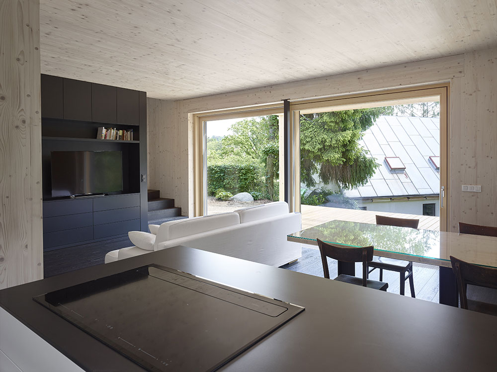 obývacia izba s kuchyňou a jedálňou