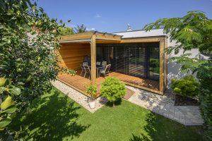 Nenápadný bungalov pri Bratislave na pokojnom mieste bývalých záhrad a sadov