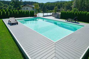 Protišmyková terasa v okolí bazéna