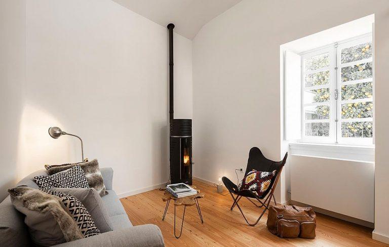 Inšpiratívna rekonštrukcia opusteného domu: Vo vnútri dynamika moderného sveta, zvonku dýcha história