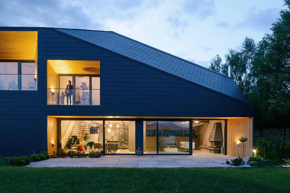 Klasický dom so sedlovou strechou? Jedinečný dom vás presvedčí, že existujú aj iné riešenia