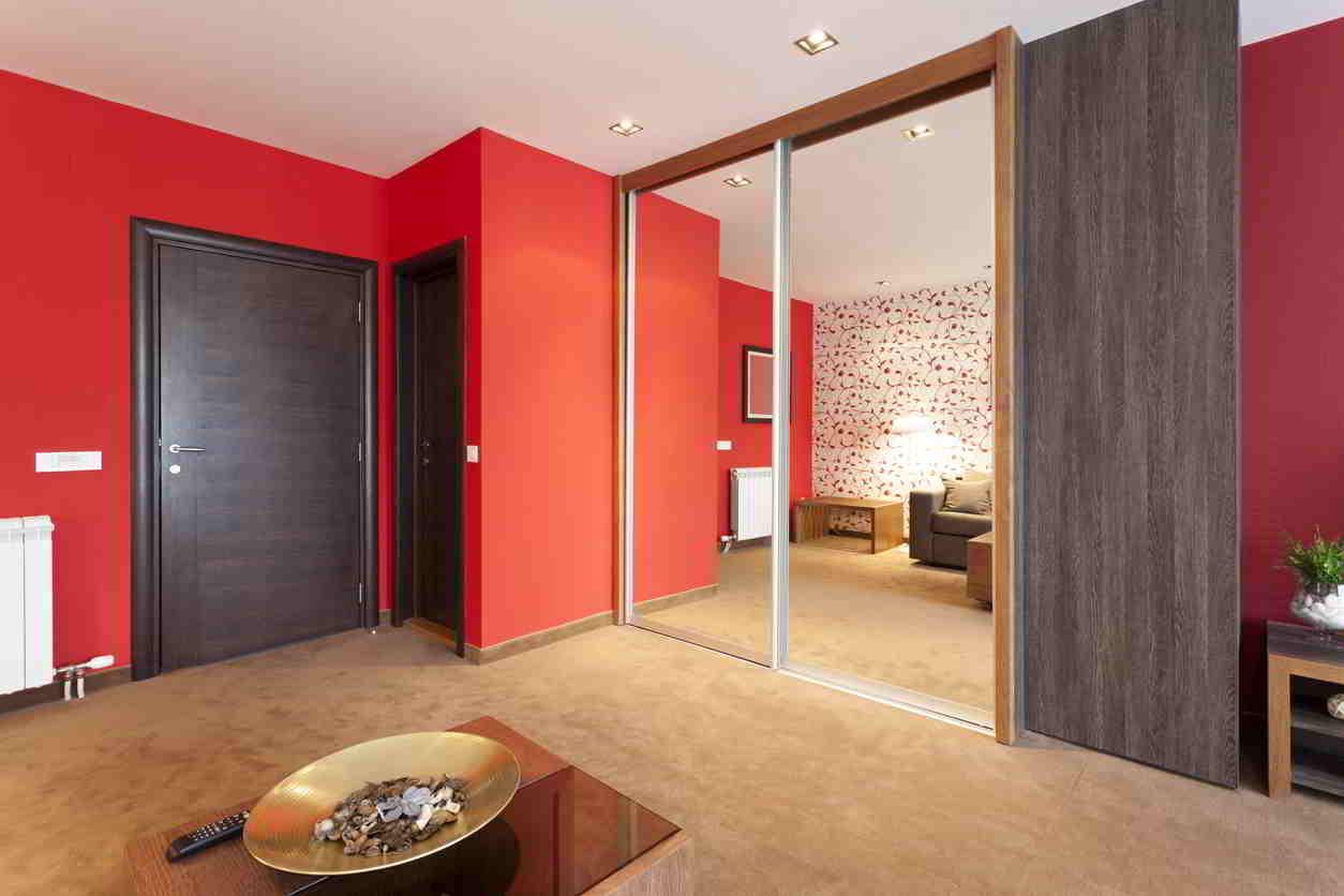 interiér v červenej farbe