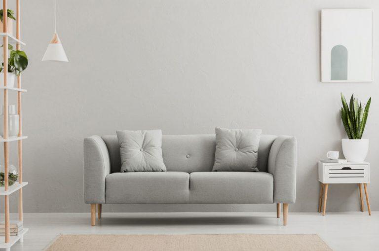 Chcete si zariadiť obývačku v minimalistickom štýle? Stavte na jednoduché línie!