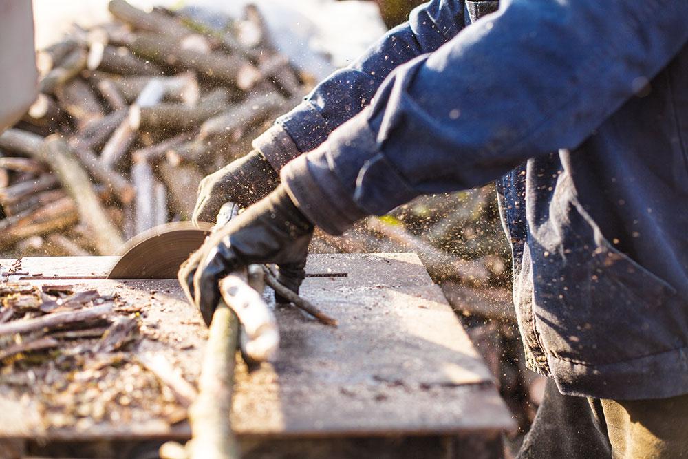 spracovanie dreveného odpadu zo záhrady