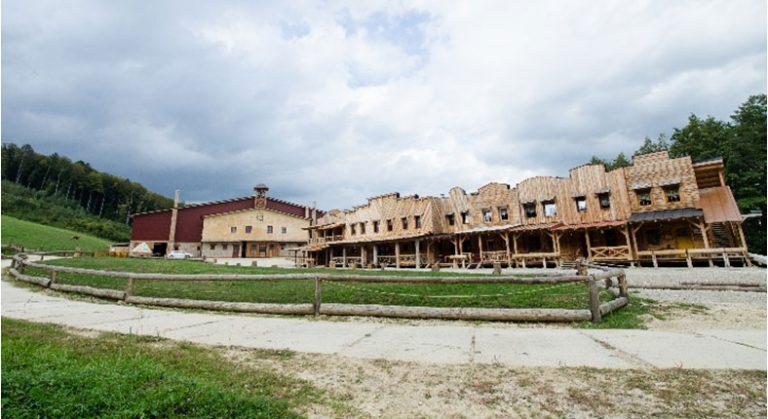 Ranč v Nemšovej je originálna stavba