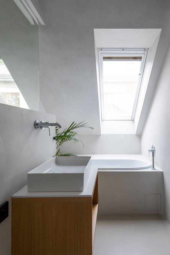 kúpeľňa v podkrovnom byte