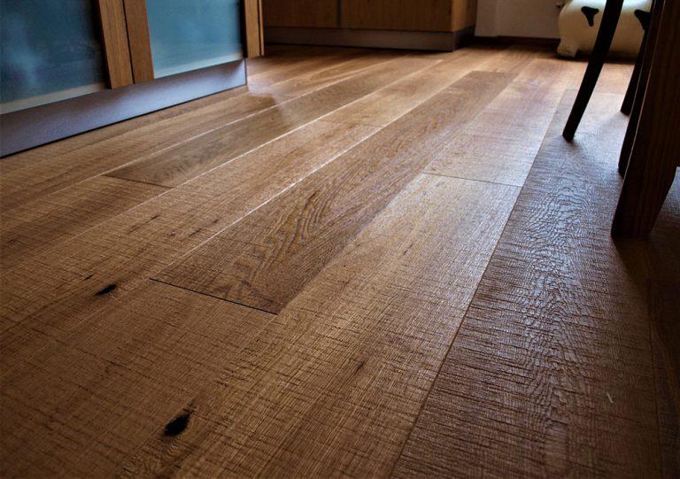 Dá sa zničiť drevená podlaha?