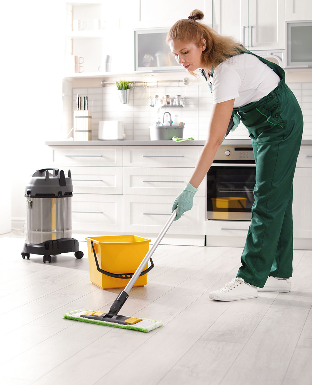 umývanie podlahy v kuchyni