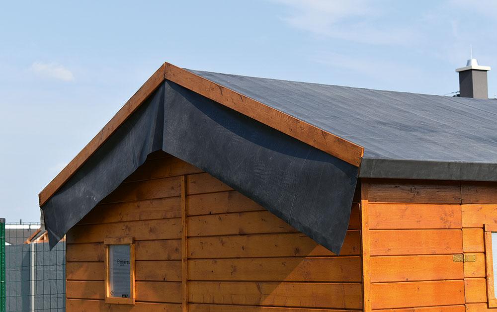 10izolácia strech záhradného domčeka