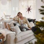 obývacia izba s vianočným stromčekom