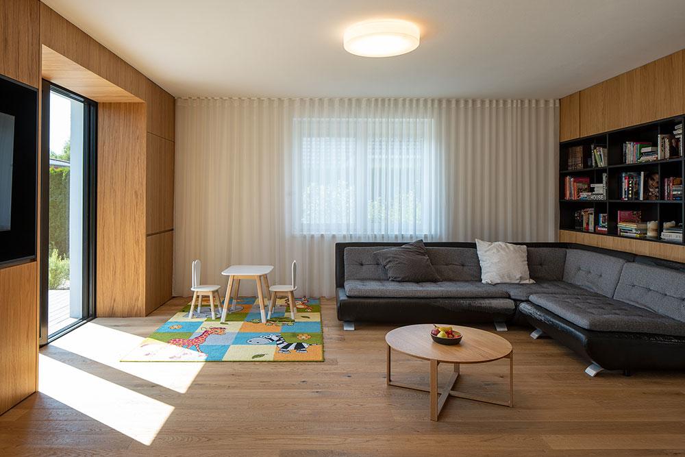 obývacia izba s detským kútikom