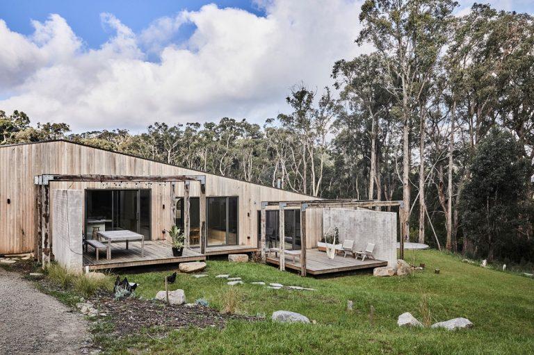 Bývanie ako v raji! Jedinečný rodinný dom prirodzene zapadol do prostredia