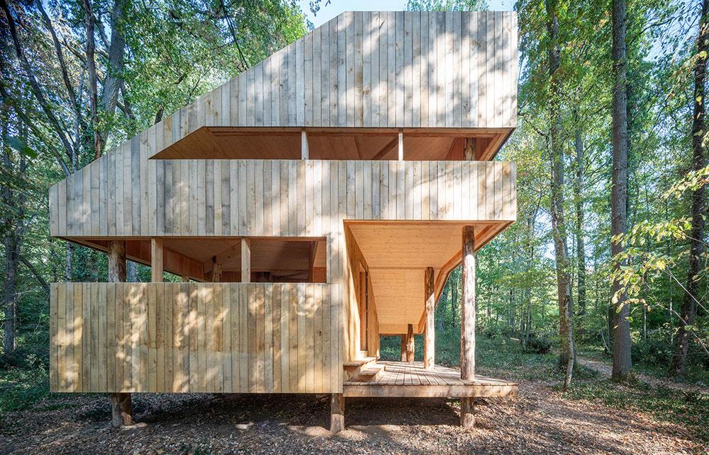 Absolútne celý z dreva! Dom, ktorý spochybňuje mnohé vlastnosti pripisované drevu