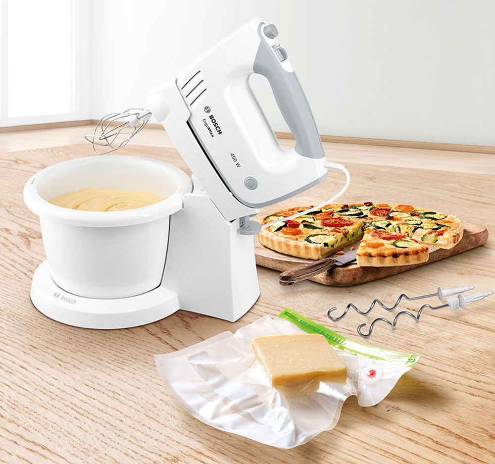 ručný šľahač Bosch s rotujúcou misou a systémom na vákuovanie potravín