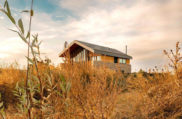 Moderná interpretácia typického vidieckeho domu prekvapuje atmosférou