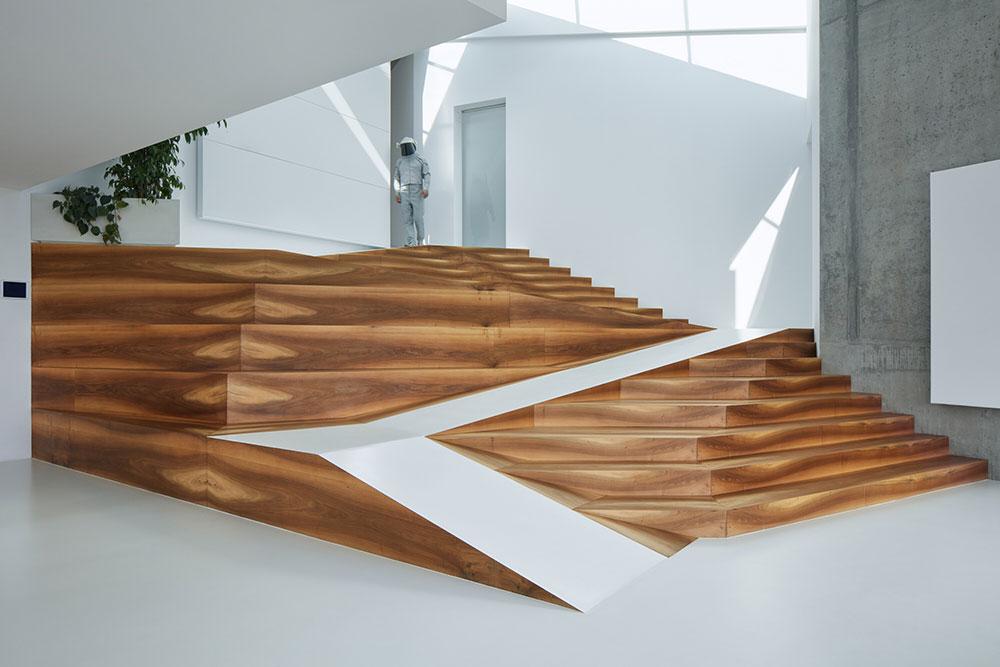 moderné schodisko vo vile v Prahe
