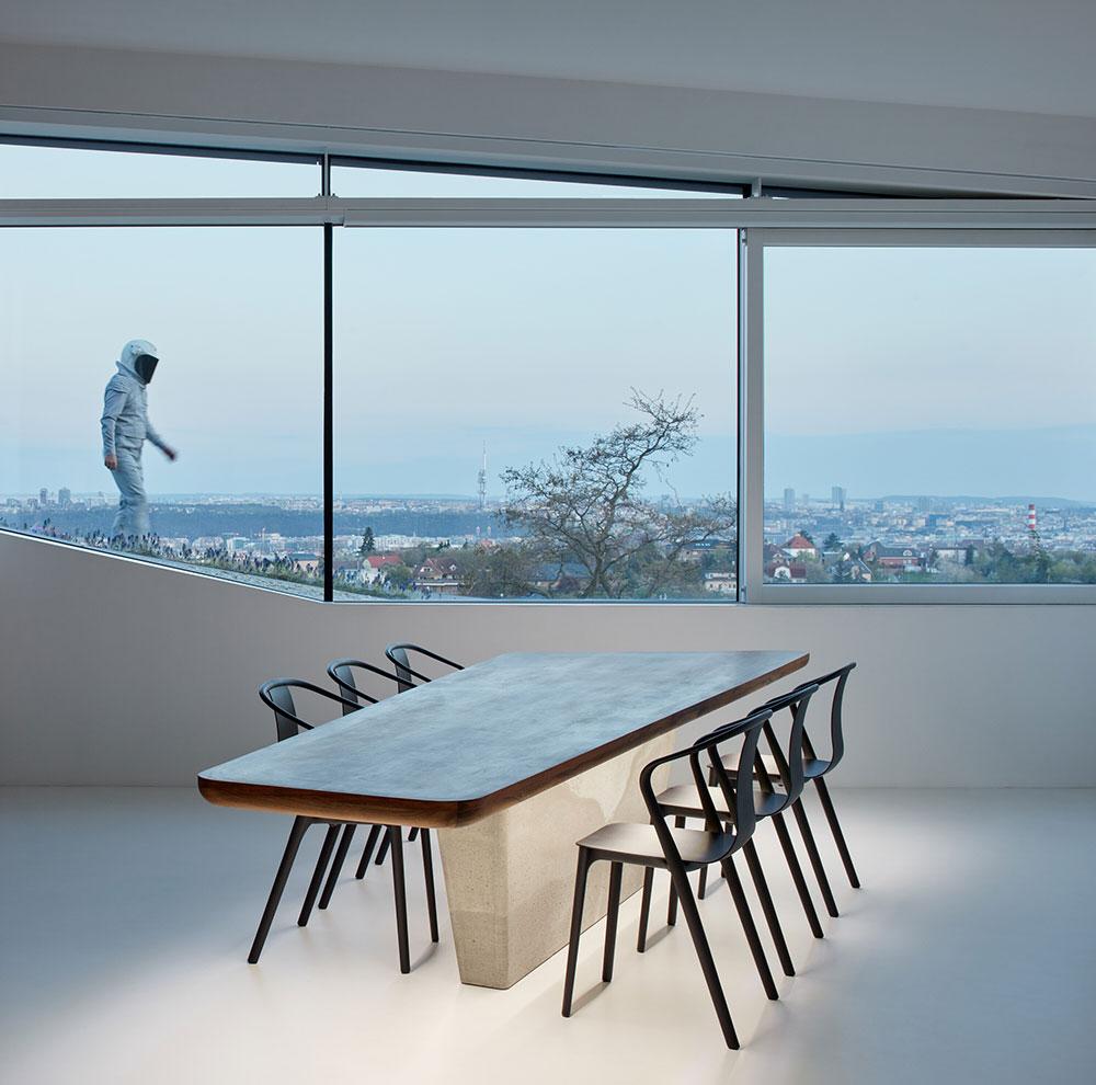 moderná jedáleň vo vile v Prahe