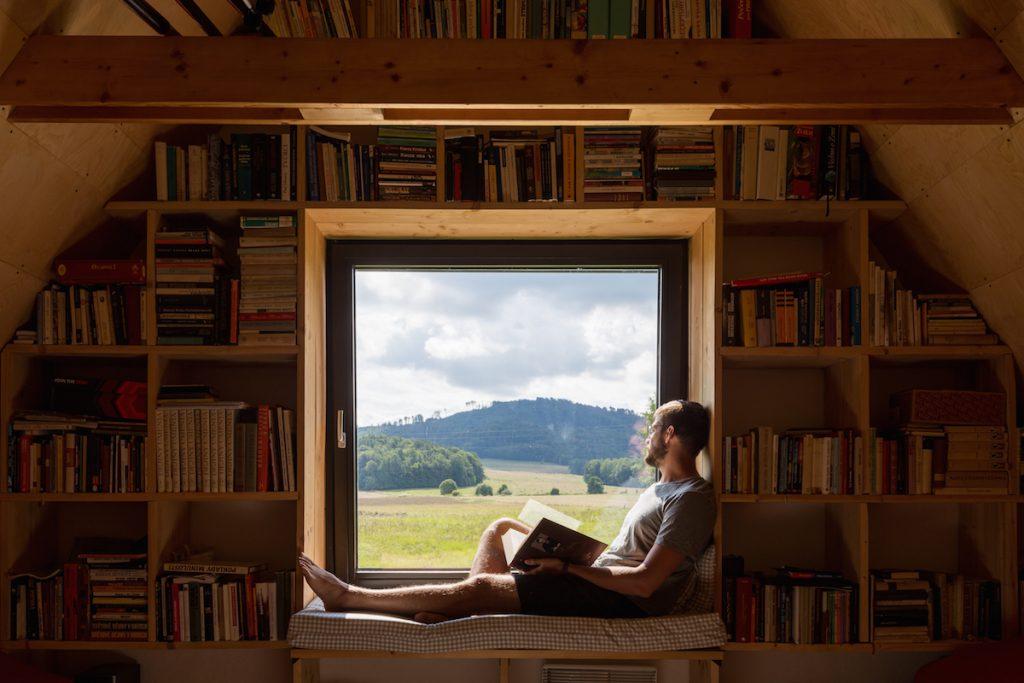 Podkrovie s knižnicou
