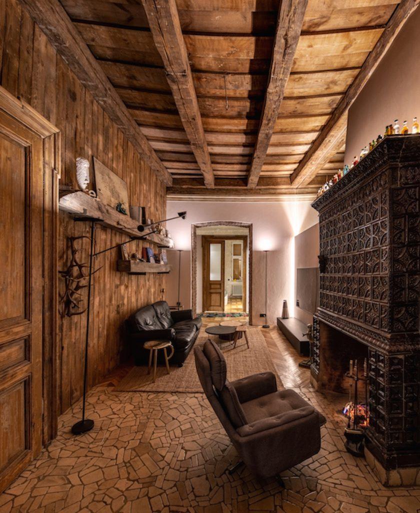 Obývačka s historickým nábytkom
