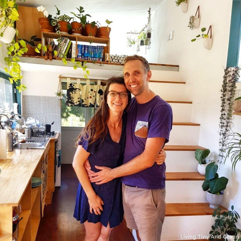 Annett a Paul žijú vo svojom malom sebestačnom domčeku už takmer dva roky.
