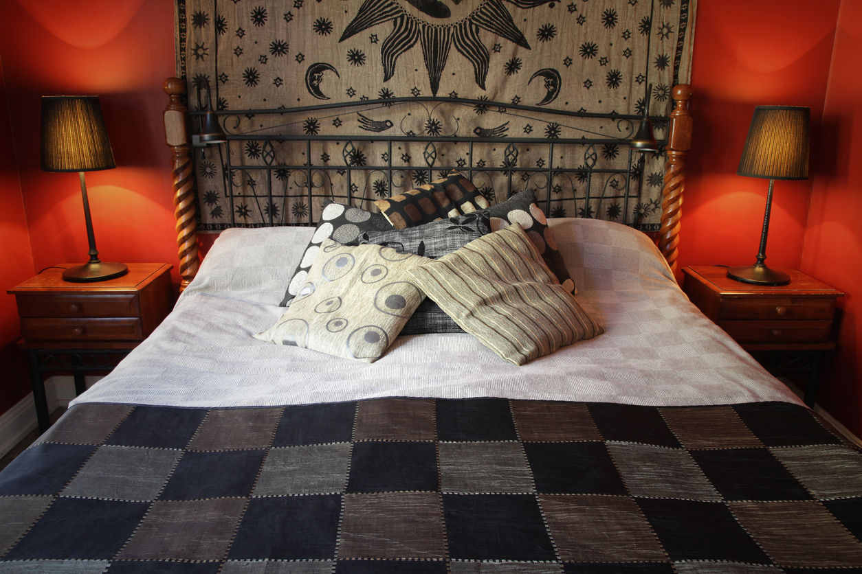 Teplá rustikálna spálňa