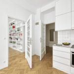 kuchyňa s prechodom do obývacej izby