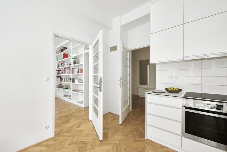 Zo starého dvojizbového bytu presvetlený trojizbák. Čo dokázala zmena dispozície?