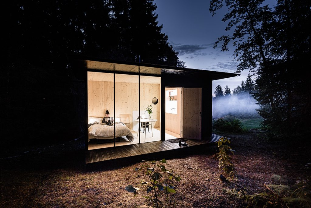 Malý domček so všetkým potrebným, ktorý si vie postaviť aj zručnejší laik